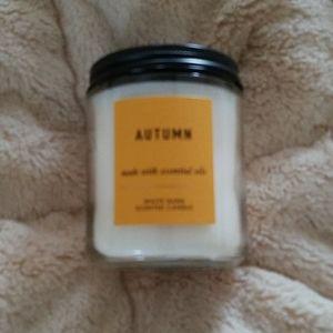 Bath &Body Works Autumn candle